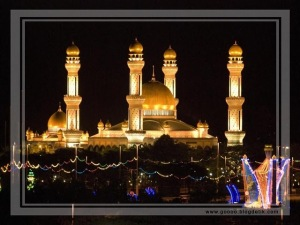 Jamie Asr Mosque in Brunei (night)
