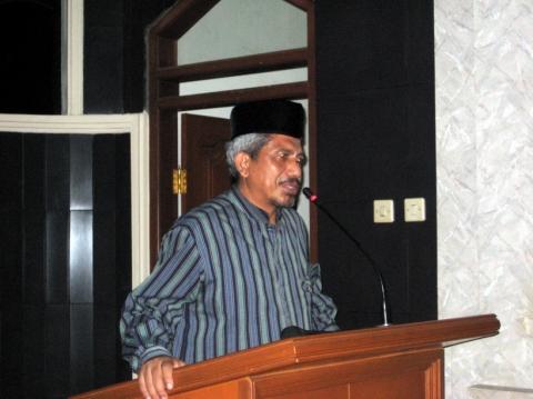 KH ATHIAN ALI M.DA`I, LC, MA Ketua Yayasan AlFajr, Ketua Forum Ulama Ummat Indonesia
